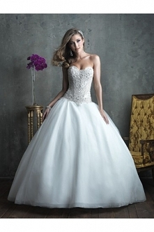 Allure Bridals Wedding Dress C307