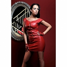 Czerwona sukienka ze skóry eko Nessa