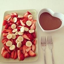 Truskawki i banany w czekol...