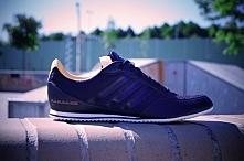 pretty nice 5eb07 4315a Niezwykle wygodne sneakersy ADIDAS PORSCHE SPEEDSTER SPORT B35821. 1
