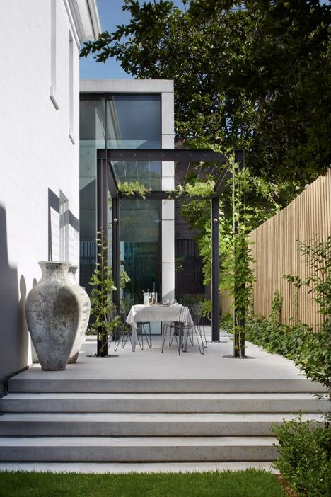 ••Sydney villa by Smart Design Studio
