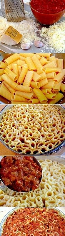 Tym daniem można zaskoczyć gości Wygląda jak ciasto a tu makaron po bolońsku:)