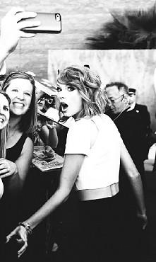 Jacyś fani Taylor ? :)