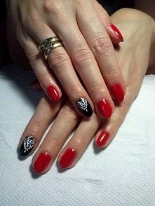 Klasyka Red & Black + białe ręcznie malowane zdobienia Pani Małgosi