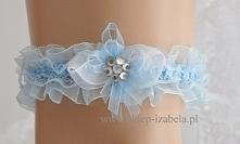 Biało niebieska podwiązka dla Panny Młodej