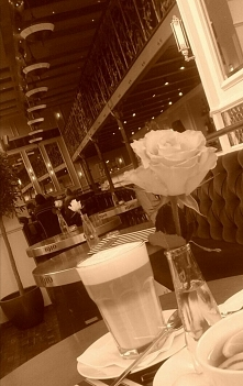 Geneza przy kawie