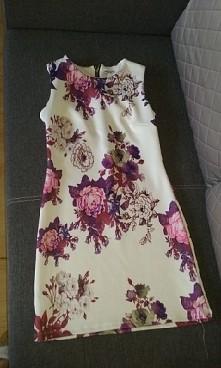 Sukienka ;) bardzo mi się podoba i nie kosztowała dużo -29,99 zł