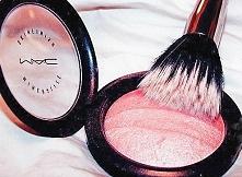 MAC <3 jakie są wasze ulubione kosmetyki?   jeżeli chcecie poznać ciemną s...