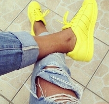 Żółte adidasy ;)