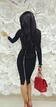 długie czarne włosy :)