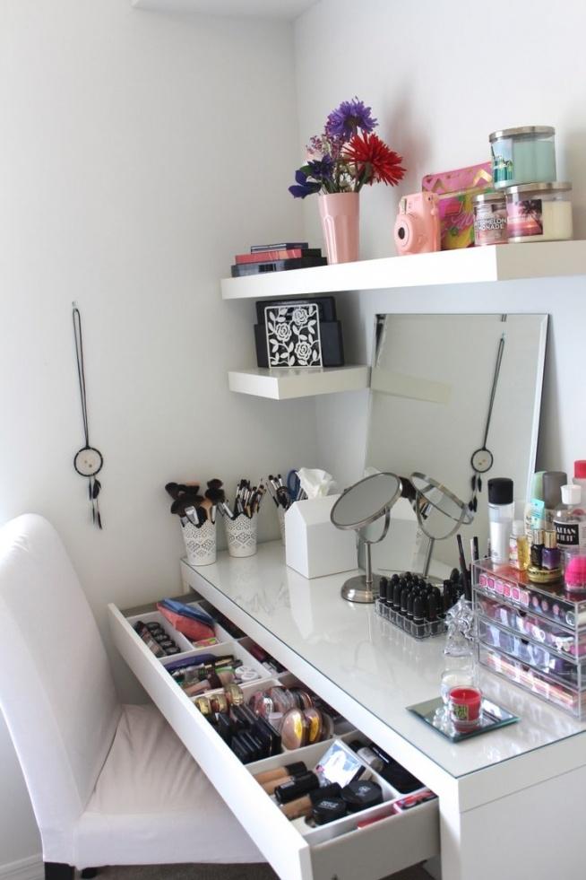 room/makeup/place