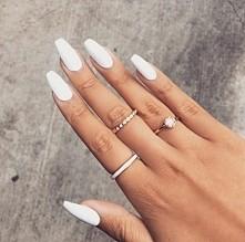 biały manicure *,*