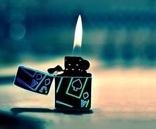 Świecąca zapalniczka...