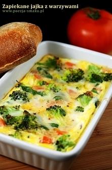 zapiekane jajka z warzywami