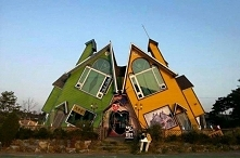 Krzywe domki :P