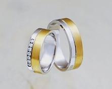 Obrączki z białego i żółtego złota. Damska wersja z cyrkoniami lub diamentami.