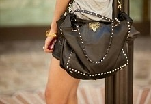 Czy ktoś wie gdzie mogę dostać taką lub podobną torbę?? ;)
