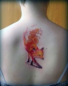 tatuaże damskie lis na plecach