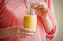 Oczyszczające smoothie: mango, imbir i ananas z chia