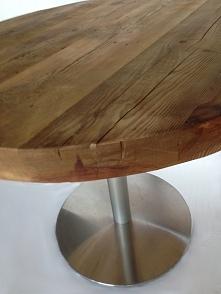 Stół z litego starego drewna:)