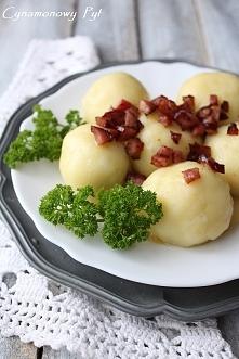Ziemniaczane knedle/pyzy z mięsem.