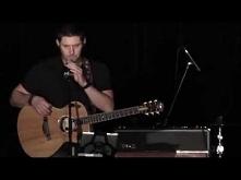 Jensen Ackles singing at VanCon 2015  <3 i jak tu go nie uwielbiać