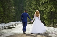 """""""Kochać nie znaczy jedynie patrzeć na siebie, ale patrzeć razem w tym sa..."""