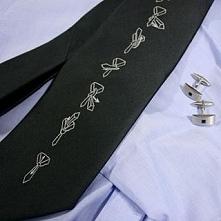 Krawat z instrukcją wiązania - sprawdzi się jako prezent.