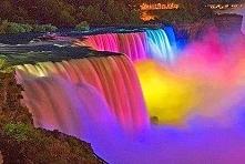 Podświetlony wodospad Niagara