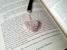 Zakładka do książki z pięknym srebrnym sercem. Istnieje możliwość wymiany pas...