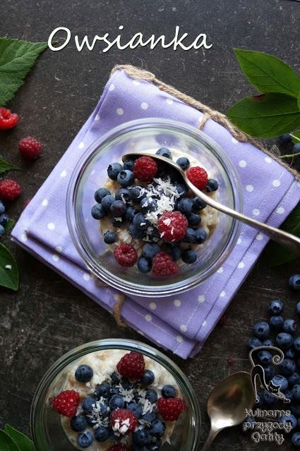 Owsianka na chia i owocami