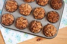 Muffinki z cukinią, jabłkiem i rodzynkami