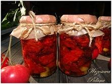 Sposób na zamknięcie lata w słoiku- suszone pomidory z czosnkiem i bazylią (przepis po kliknięciu w zdjęcie)