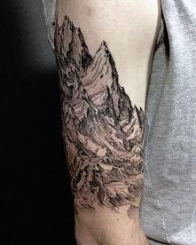 tatuaże męskie góry 3d