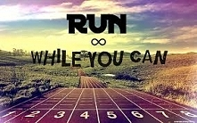 Kocham biegać i chyba nigdy nie przestanę tego robić :)  Jest świetnie, a myśl o wieczornym bieganiu sprawia, że jest jeszcze lepiej !  Ktoś dzieli tą pasję ze mną ? Ile dzisiaj...