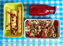 Lunchbox do pracy/szkoły W lunchboxie znalazły się: -naleśniki budyniowe nadzienie: biały ser wymieszany z jogurtem naturalnym i kawałkami nektarynki, - sałatka ziemniaczana z t...