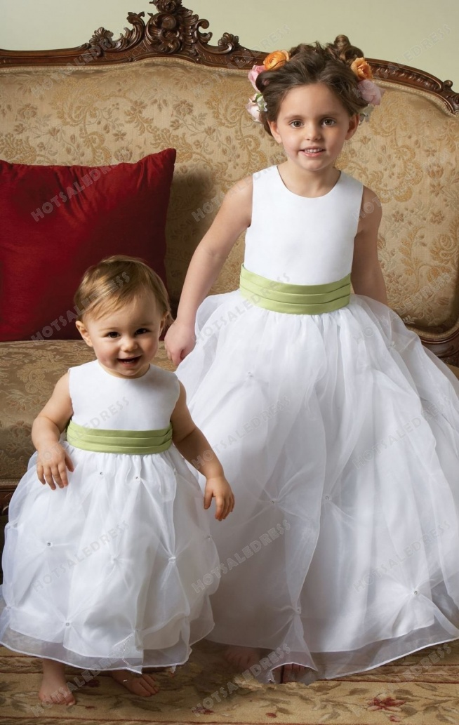 Sleeveless Organza Flower Girl Dress with Rhinestones L711