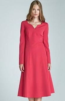 Nife S66 sukienka fuksja Elegancka sukienka, wykonana z jednolitego materiału...