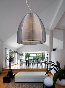 Lampa wykonana jest z aluminium, a konstrukcja klosza, dzięki specjalnym otwo...