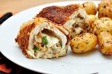 Kurczak nadziewany kurkami i mozzarellą  Składniki:  1 podwójna pierś kurczak...