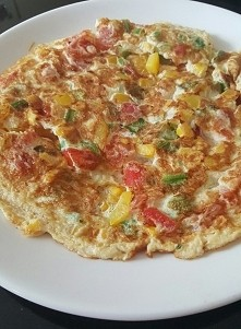 śniadanko podano :) omlet z...