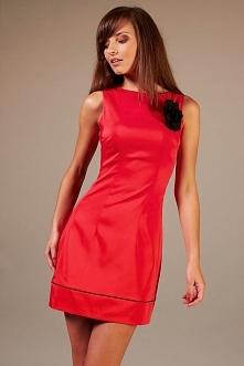Elegancka sukienka wieczorowa z różą, czerwona