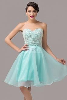 Błękitna balowa sukienka na sylwestra lub studniówkę