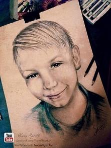 Portret małego chłopca narysowany  przeze mnie pastelami, co sądziciee?  Wiec...
