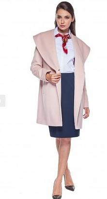 Różowy wełniany płaszcz. Mrrrr