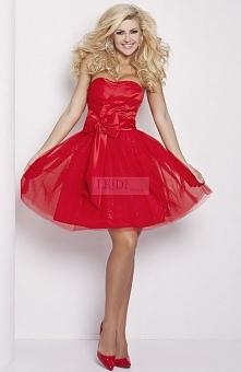 Czerwona sukienka tiulowa z kokardą