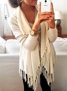 Sweterek z frędzlami od honessst z 25 września - najlepsze stylizacje i ciuszki