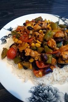 Kurczak z ryżem po meksykańsku