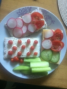 śniadanie :-) chlebek Wasa ...