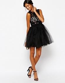 Wieczorowa sukienka na sylwestra, czarna